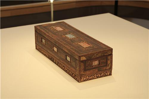 沉香木画箱