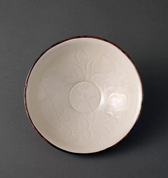 822 北宋 定窑刻花碗成交价:7,166,400日元