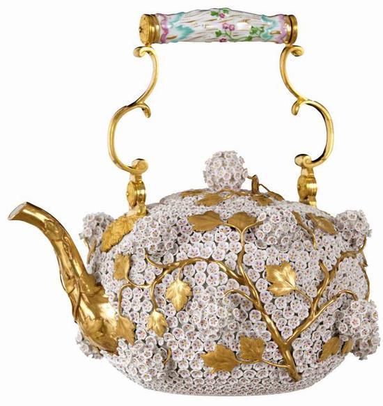 雪球花茶壶 梅森瓷器博物馆藏 1750年