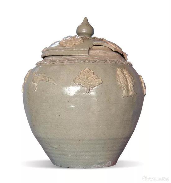 元代青釉模印贴花盖罐