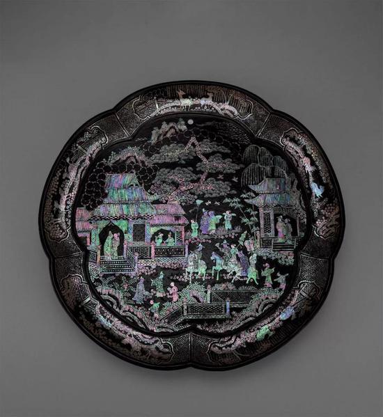 912 元 螺钿人物纹大盘成交价:7,166,400日元