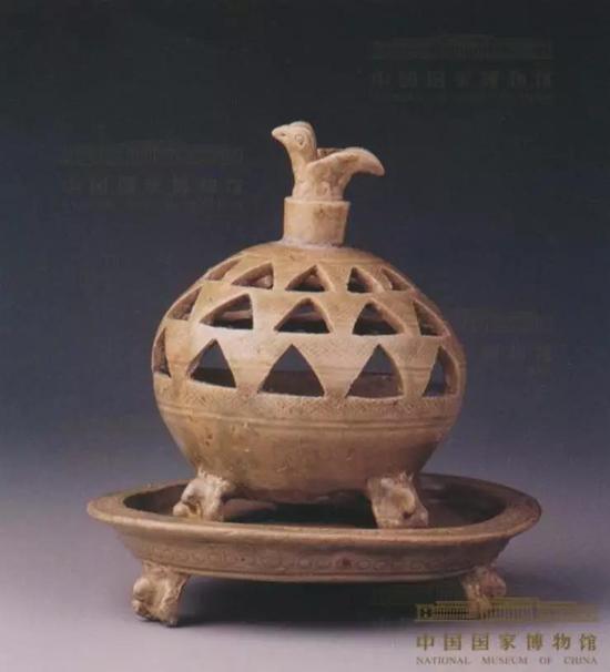 西晋青瓷香薰,1953年江苏省宜兴市周处墓墩一号墓出土,现藏国家博物馆