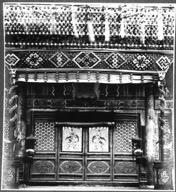新年期间张贴了门神,装饰一新的交泰殿旧照。(刘阳供图)