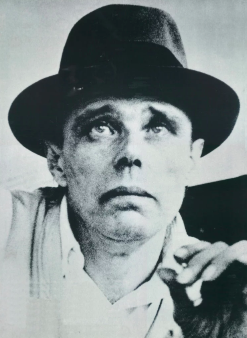 约瑟夫·博伊斯(Joseph Beuys)。图片:copyright the artist's estate, courtesy Galerie Thaddaeus Ropac