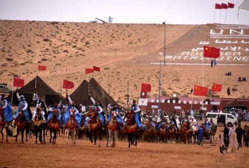 非遗艺术节上坦坦地区各部落骑射比赛