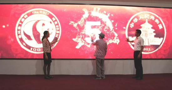 工艺美术大师陈坚向绍兴市政府捐赠作品240余件
