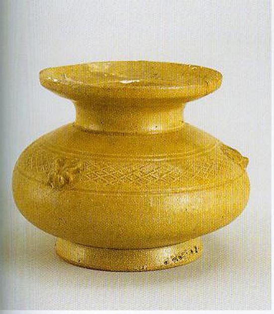 三国时期青瓷唾壶 图片来源:恭王府
