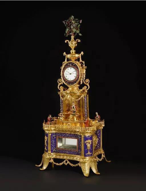 銅鎏金畫琺瑯飾仿寶石音樂活動人偶座鐘,廣州作坊,乾隆年間制,年份約1790