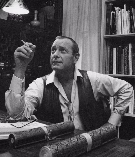 安思远(Robert Hatfield Ellsworth, 1929-2014)