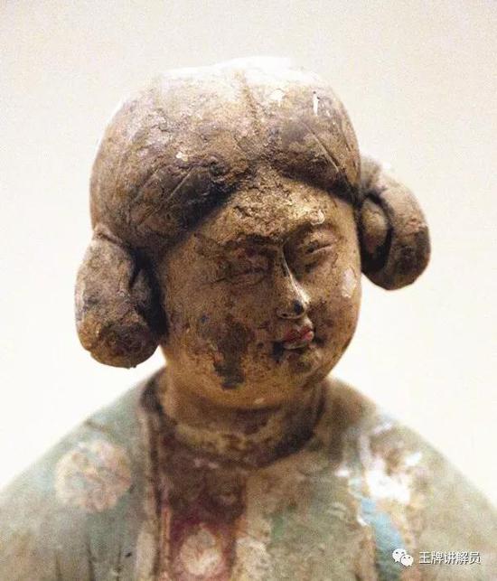 双髻女俑,唐代,西安博物院藏