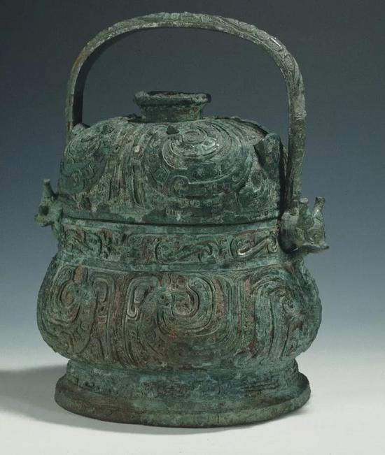 ▲ 效卣,西周中期,共王,3.65kg,上海博物馆藏