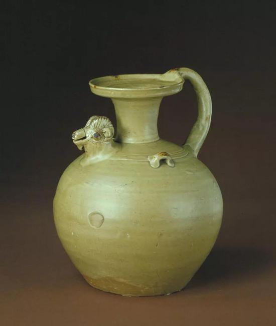 东晋青釉褐斑羊头壶,现藏北京故宫博物院
