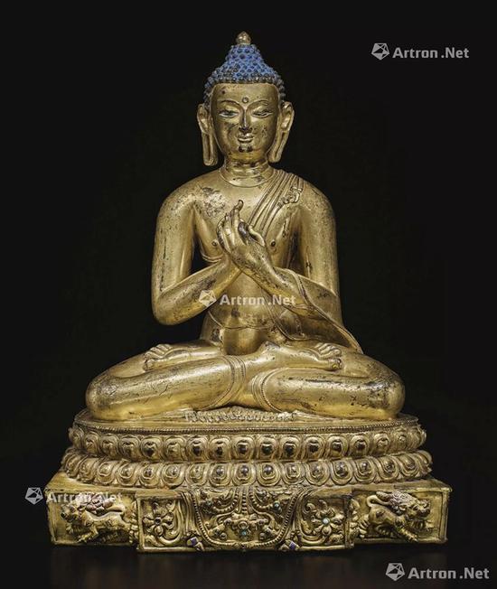 NO.40 西藏14世纪 铜鎏金狮释迦牟尼佛坐像