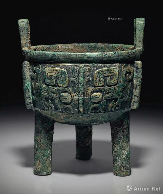 NO.34商晚期 青铜饕餮纹鼎