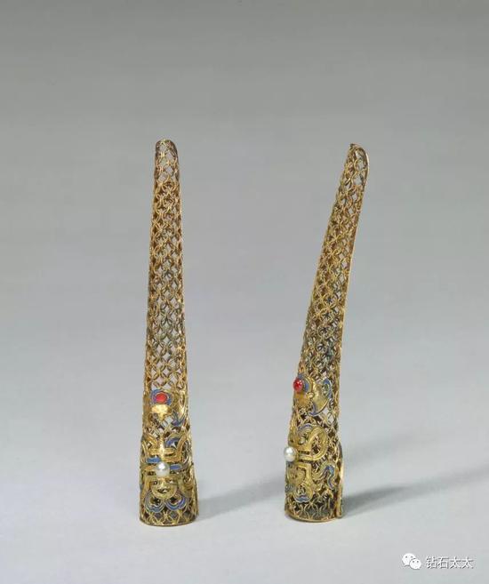 银鎏金累丝嵌珠石指甲套清,故宫博物院藏品