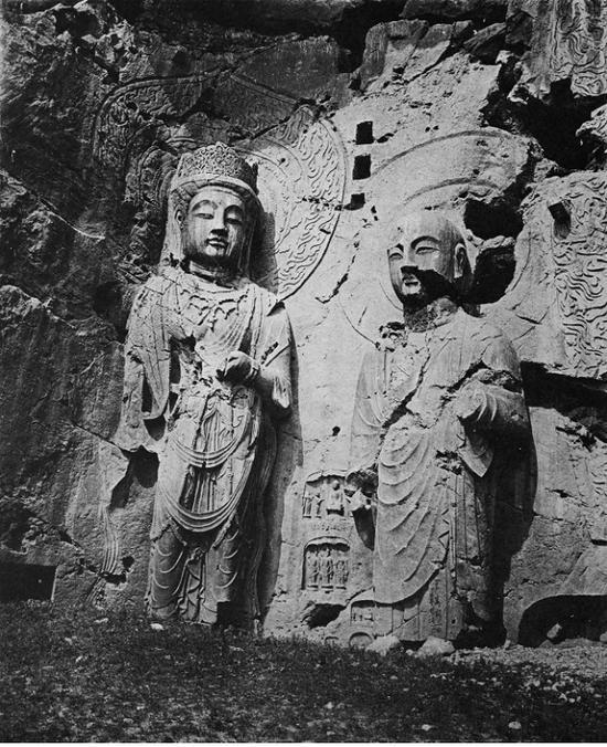 书中图片:龙门奉先寺大佛右胁侍菩萨和罗汉