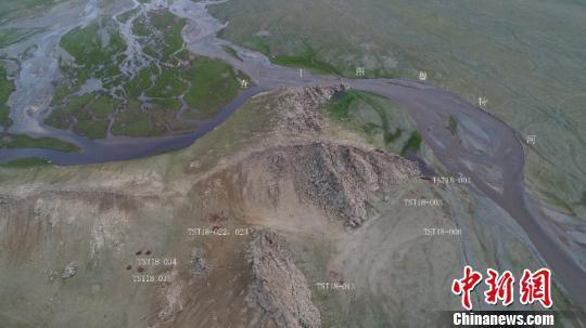 图为发掘区航拍图。 内蒙古自治区文物考古研究所供图 摄