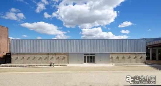 霍尔艺术基金会大楼,由比尔·卡茨和亚历克斯·哈维兰德设计。