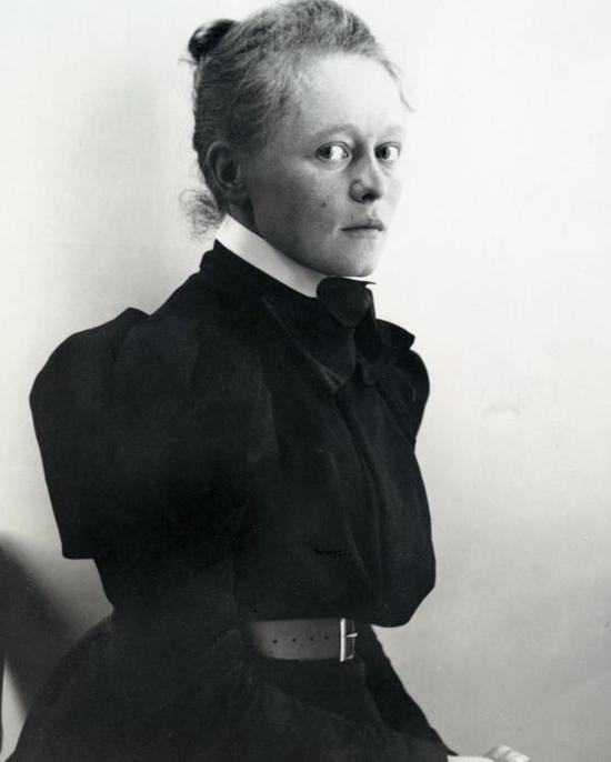 19世纪90年代初的海莱内・谢尔夫贝克(Helene Schjerfbeck)