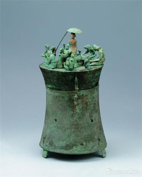 纺织场面铜贮贝器 (江川李家山青铜器博物馆藏)