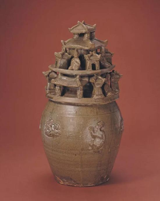 西晋青釉堆塑谷仓罐,现藏北京故宫博物院