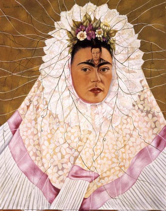 《穿Tehuana服装的自画像》