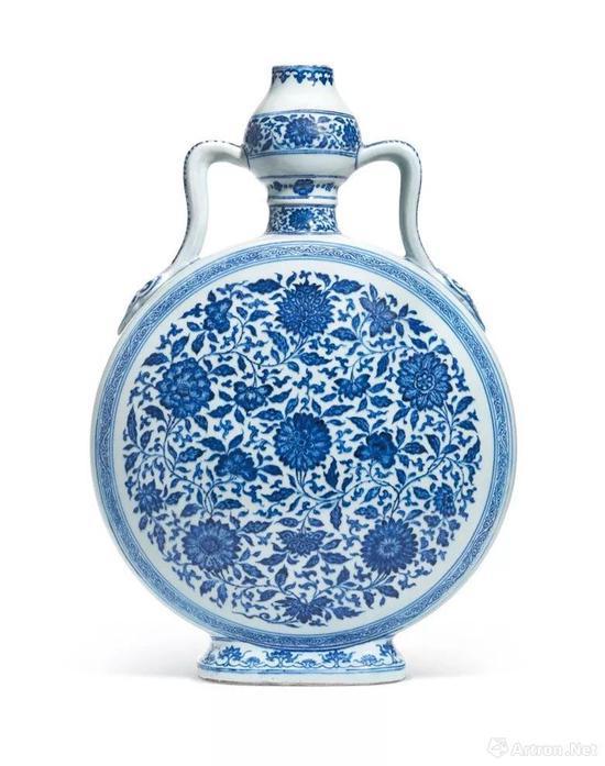 清雍正 青花缠枝花卉纹如意耳葫芦扁壶 六字篆书款