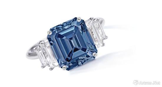 5.00克拉艳彩蓝色钻石配钻石戒指