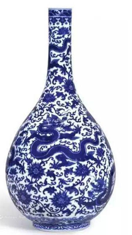 清乾隆 青花穿莲龙纹长颈胆瓶 尺寸 46cm