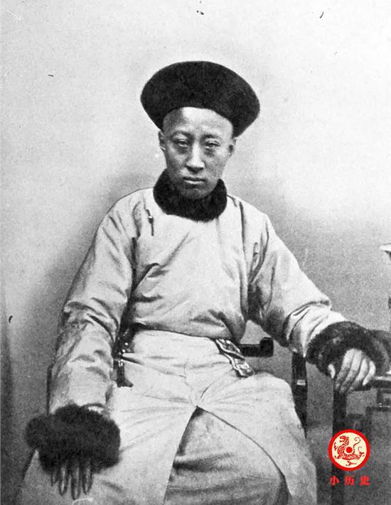 恭亲王奕訢不同时期照片 18岁到从政晚年眼神绝望