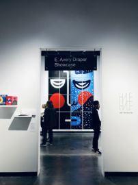 展览开幕吸引到了特拉华当地众多艺术爱好者