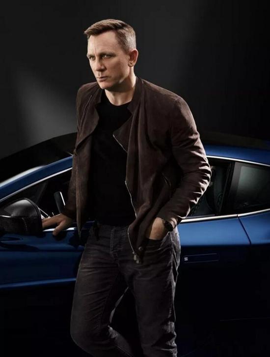 丹尼尔·克雷格定制款Vanquish跑车彰显出他对牛仔布和深色调的情有独钟