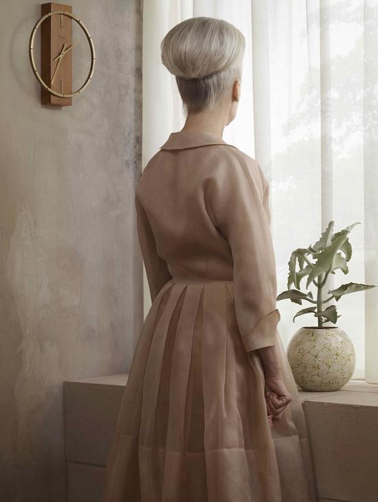 """埃文·奥拉夫,""""悲伤""""系列,《格蕾丝肖像》,2007"""