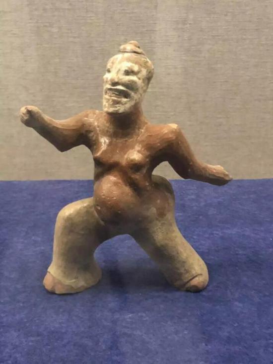 陶俳优俑,汉代,徐州博物馆藏