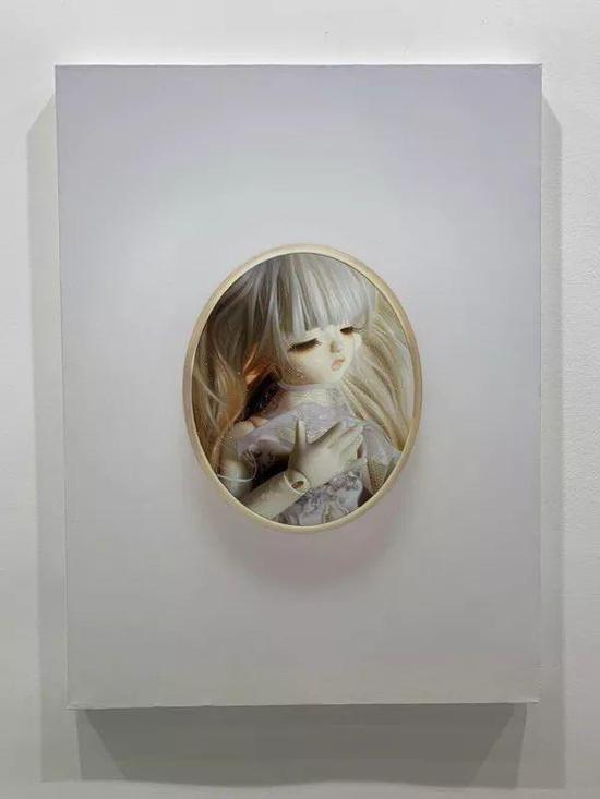 陈颖 《魔镜Mirror》 油彩画布 100x80cm 2019 120,000RMB 已售