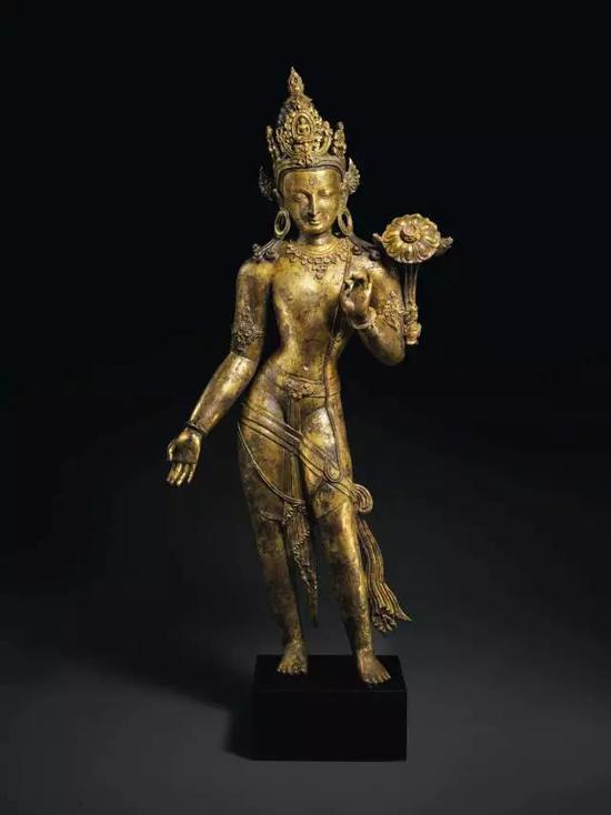 尼泊尔13世纪鎏金铜观音立像