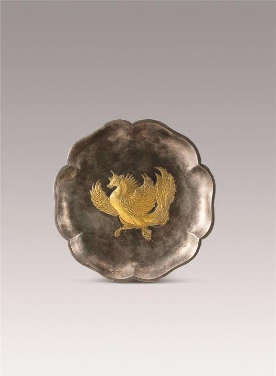 鎏金飞廉纹六曲银盘 1970年陕西省西安市何家村窖藏出土 陕西历史博物馆藏