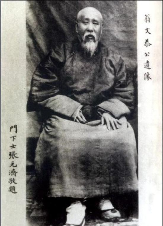 翁同龢五世孙捐赠清王翚《长江万里图卷》