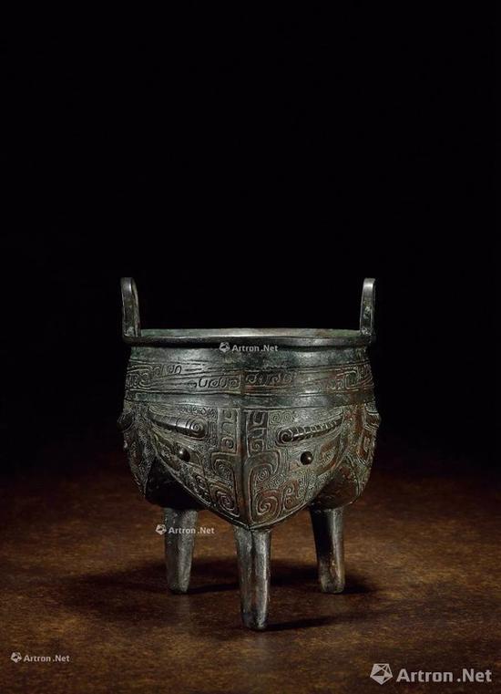 NO.47商晚期 青铜兽面纹鬲鼎