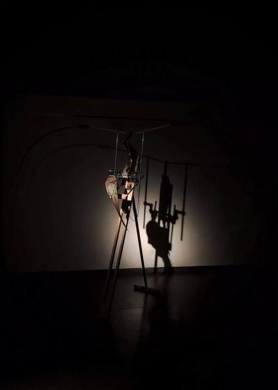 张沐辰《无题》 互动装置,2018