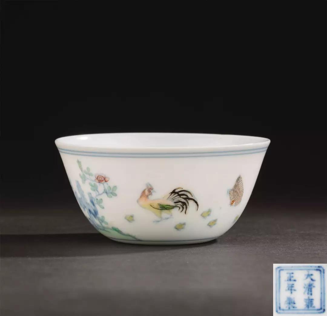 Lot 0159 五代-北宋(907-1127) 越窑秘色青瓷刻花凤纹盘
