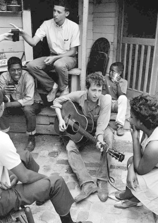 鲍勃.迪伦全球首展:是摇滚诗人也是摇滚画家