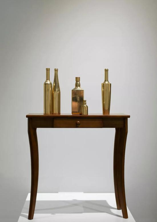 霍波洋《酒家-3》 120x40x40cm 黄铜 2017