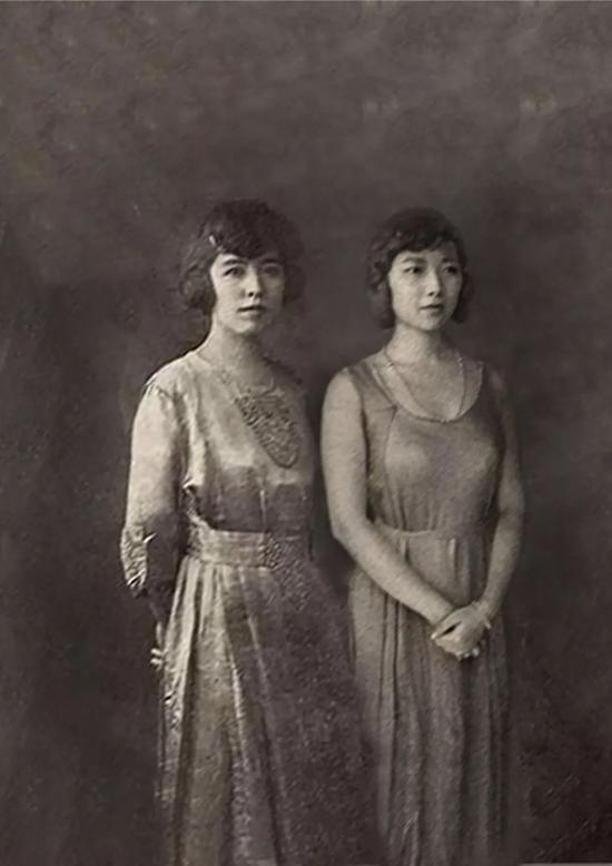吕碧城最早从中国女性开始做,做过宋美龄、林徽因、张爱玲、吕碧城。