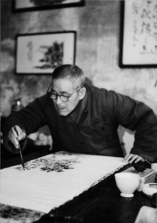 余任天( 1908 一 1984 ) ,享年76岁。字天庐,浙江诸暨人。