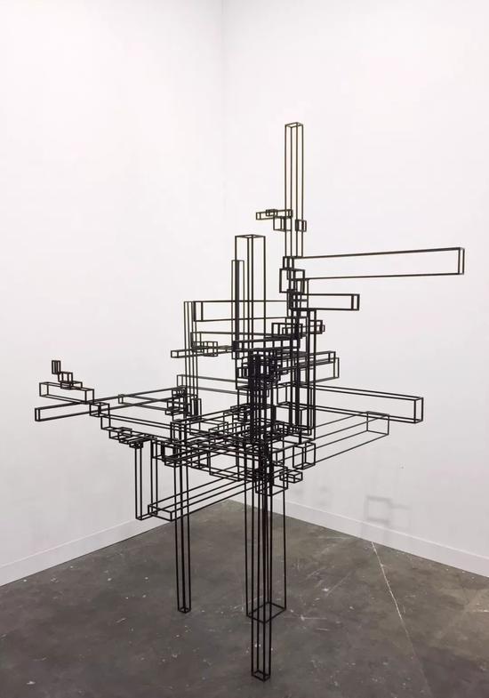 安东尼 · 葛姆雷,《下降 FALL》,2009年