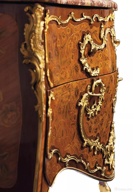 路易十五时期 铜鎏金郁金香木、苋紫木及果木镶嵌细工五斗柜