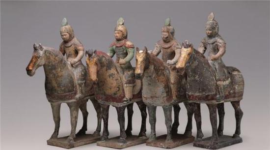 彩绘贴金骑马俑 1971年陕西省乾县懿德太子墓出土 中国国家博物馆藏