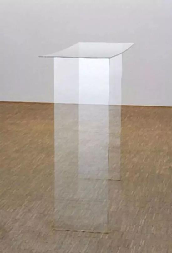 基蒂�q克劳斯《无题》玻璃雕,1.25×1.50×39cm