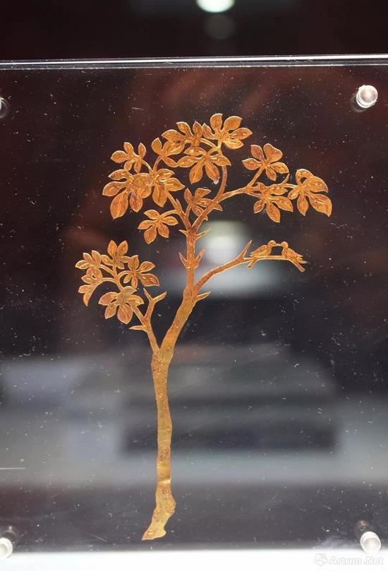 唐 对鸟树形金饰片